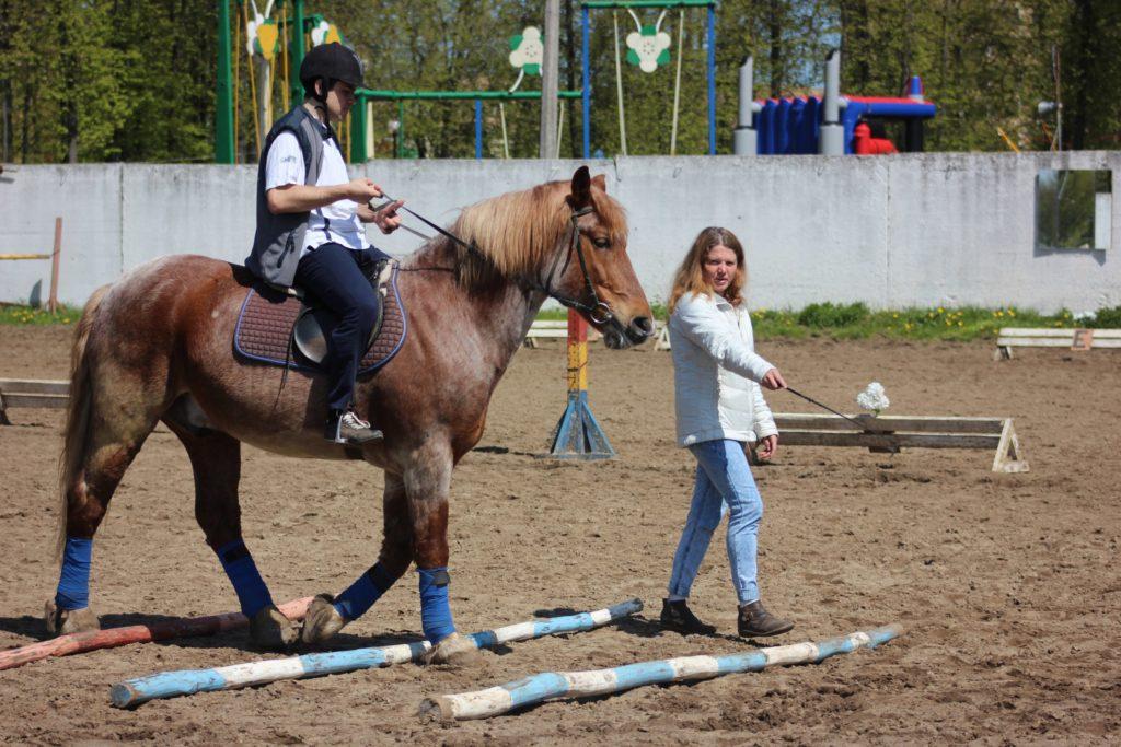Соревнования по конному спорту для лиц с ограниченными возможностями здоровья.
