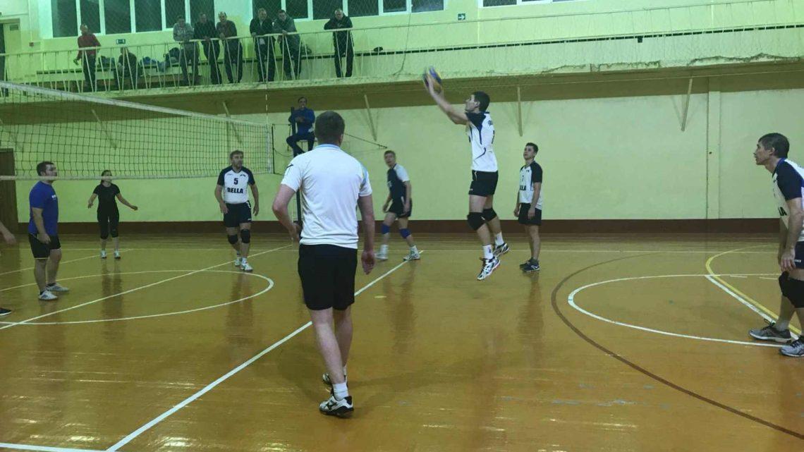 Третий игровой день Спартакиады предприятий по волейболу