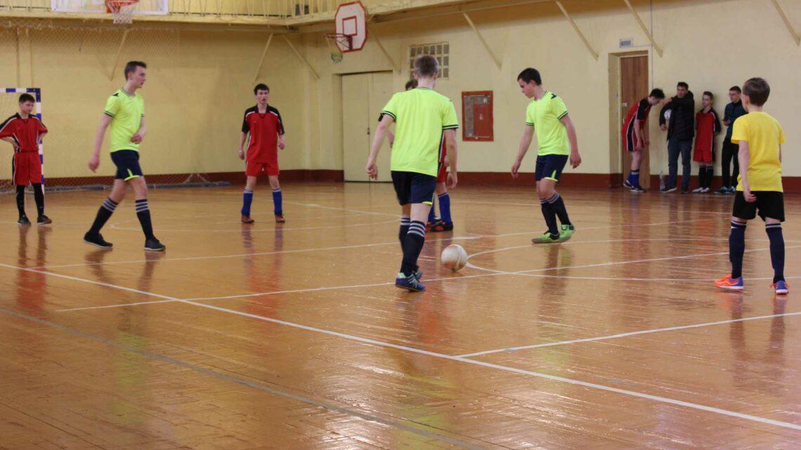 Финал турнира по мини – футболу среди сельских команд.