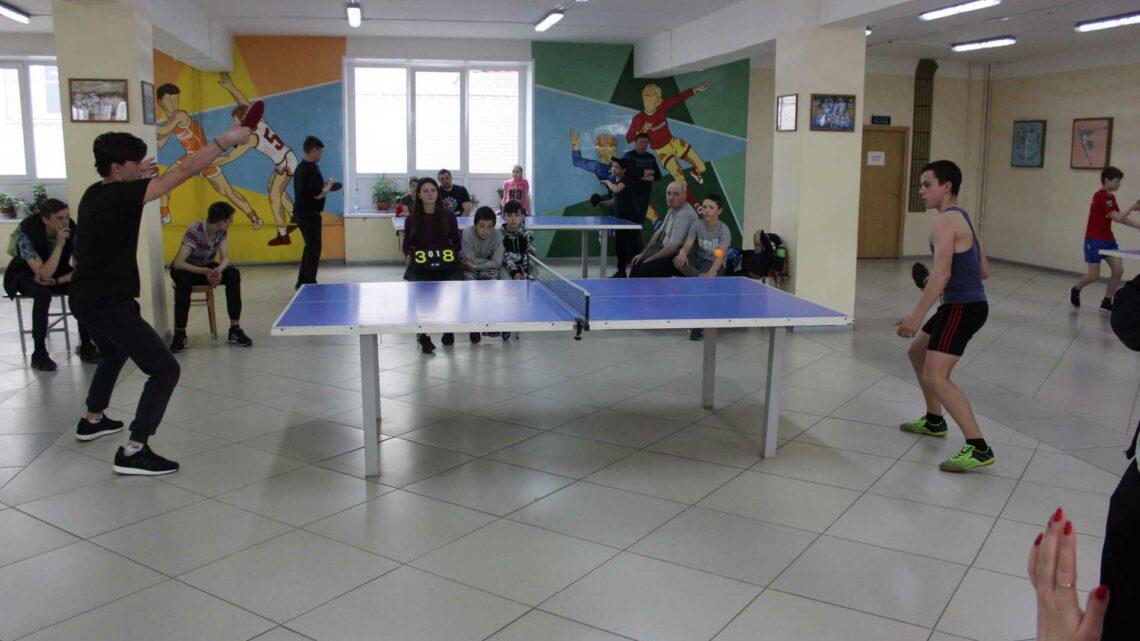 Турнир по настольному теннису среди сельских команад.