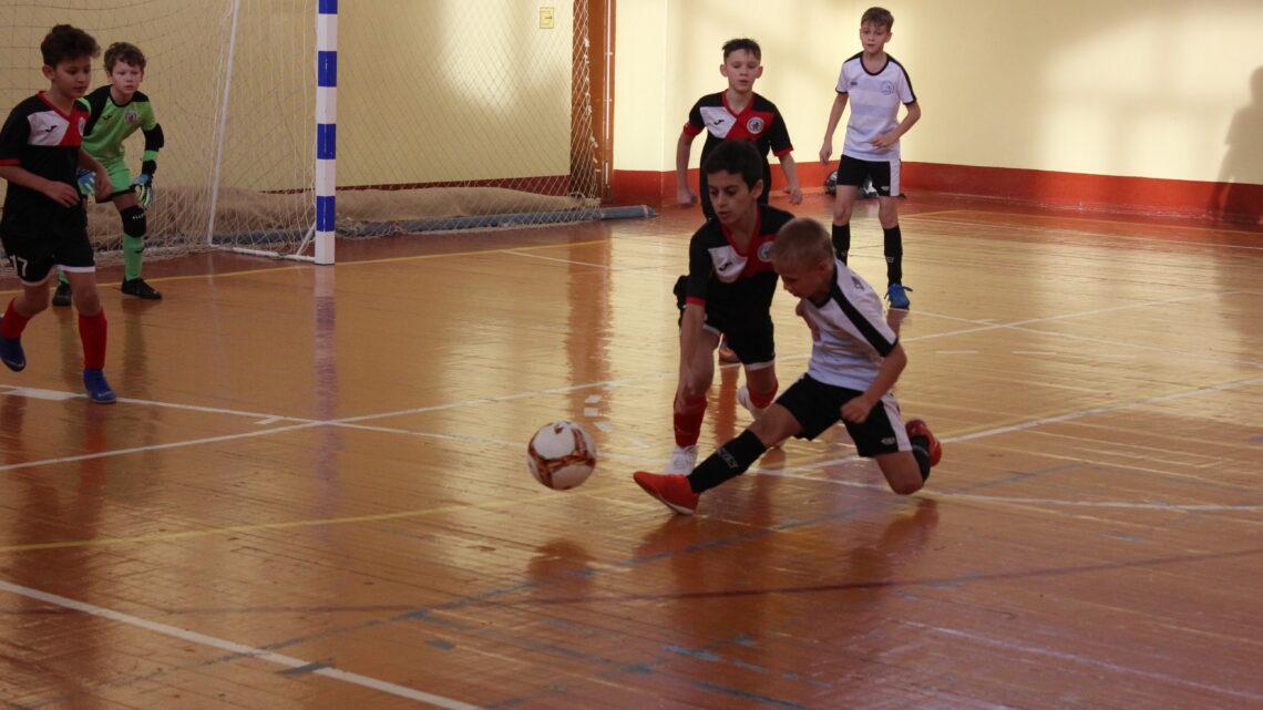 Первенство по мини-футболу среди подростковых и детских команд